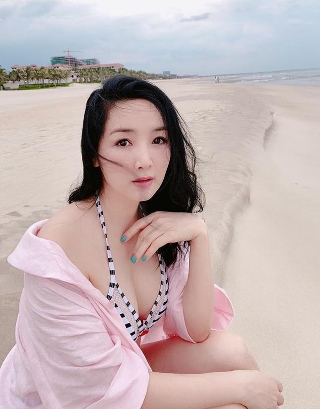 Hoa hậu Giáng My khoe vòng 1 gợi cảm với bikini ảnh 4