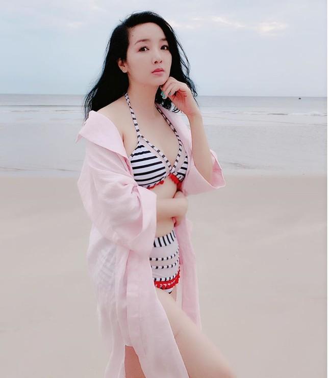 Hoa hậu Giáng My khoe vòng 1 gợi cảm với bikini ảnh 3