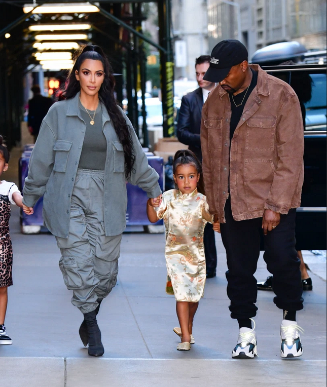 Cách ly ở nhà quá lâu, Kim Kardashian và Kanye West nảy sinh mâu thuẫn ảnh 1