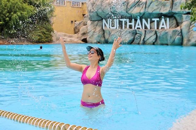 Ngưỡng mộ vóc dáng nuột nà với bikini của bạn gái NSƯT Chí Trung ở tuổi 42 ảnh 3