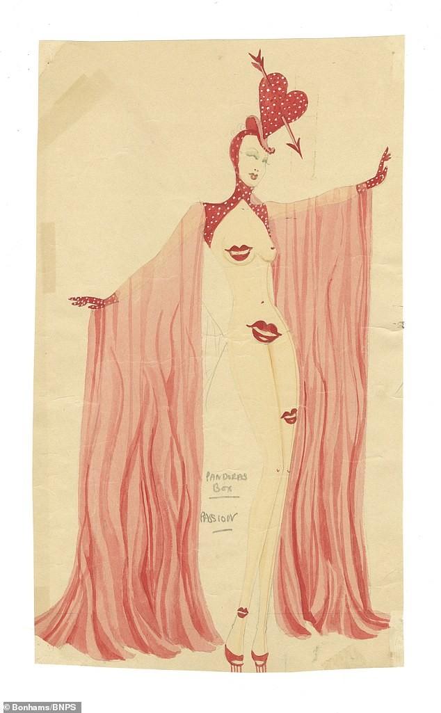 Đấu giá tranh phác họa trang phục táo bạo của vũ nữ Anh ảnh 3