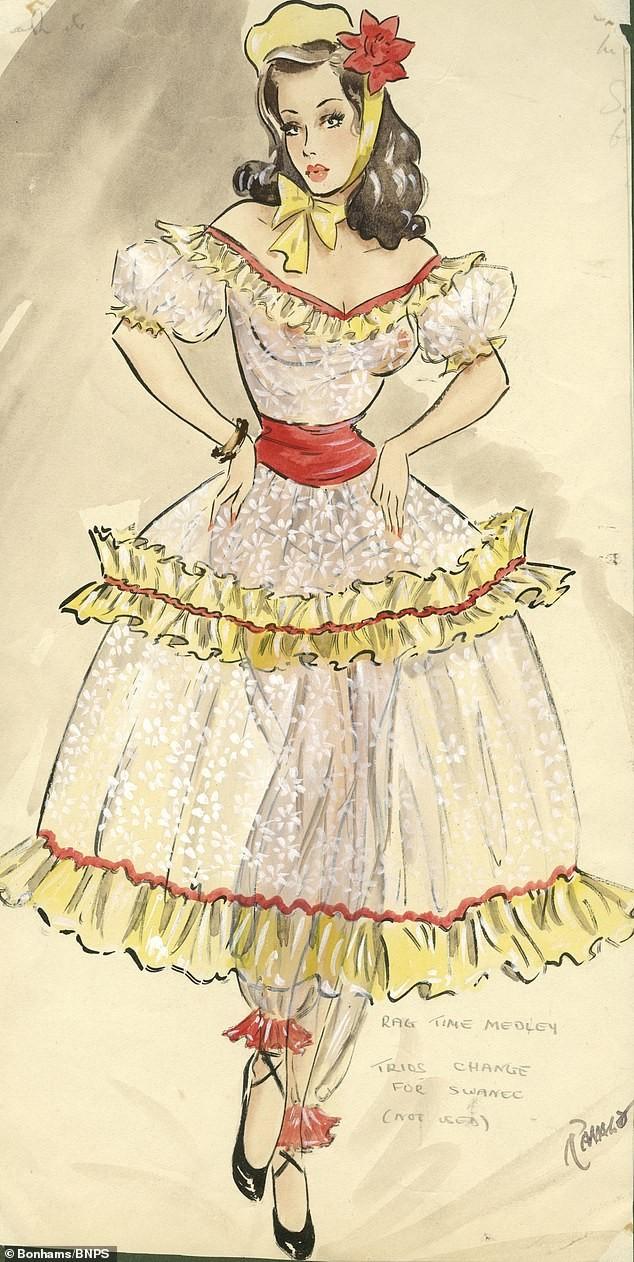 Đấu giá tranh phác họa trang phục táo bạo của vũ nữ Anh ảnh 8