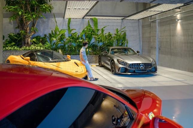Lóa mắt với bộ sưu tập siêu xe của Cường Đô la ảnh 1