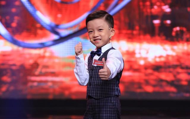NSND Hồng Vân 'nổi da gà' khi đối đáp với cậu bé 'Siêu trí tuệ' 7 tuổi ở Vĩnh Phúc ảnh 4