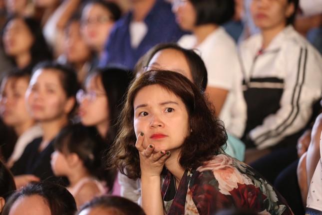 Người dân Vũng Tàu hòa chung không khí sôi động của Hoa hậu Việt Nam 2020 ảnh 4