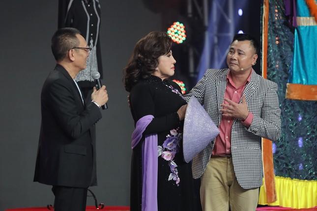 NSND Tự Long, MC Lại Văn Sâm xúc động bày tỏ tình cảm khi gặp lại NSND Lệ Thủy ảnh 2