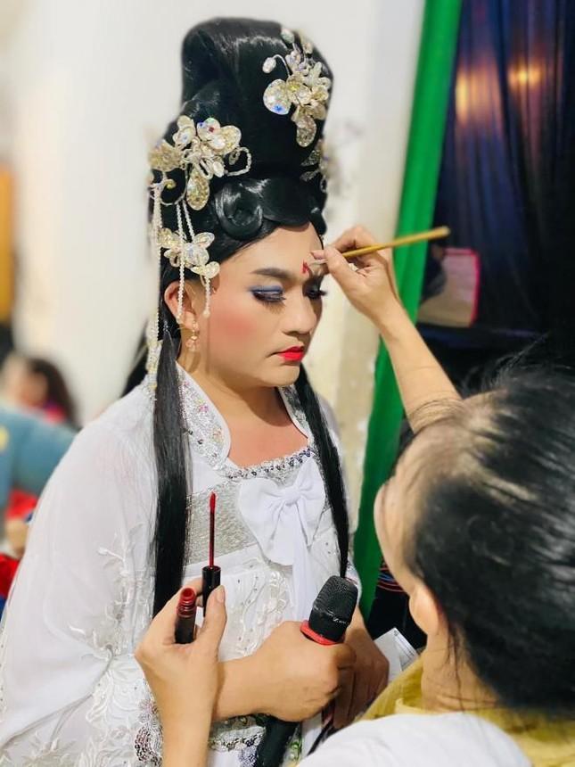 Khán giả phản ứng bất ngờ khi Ninh Dương Lan Ngọc bị 'rách váy' ảnh 3