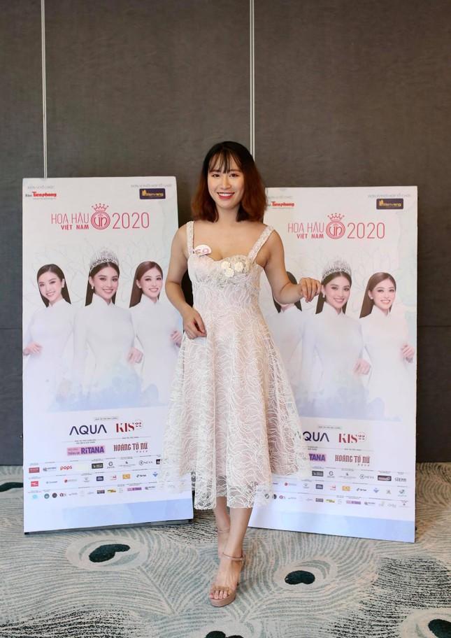 Cô chủ tiệm bánh thi Hoa hậu Việt Nam và câu chuyện gây ấn tượng ảnh 1