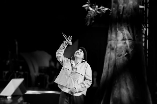 Ca sĩ Phương Thanh lần đầu kể về tuổi thơ dữ dội đi bơm xe cho Kim Tử Long ảnh 4
