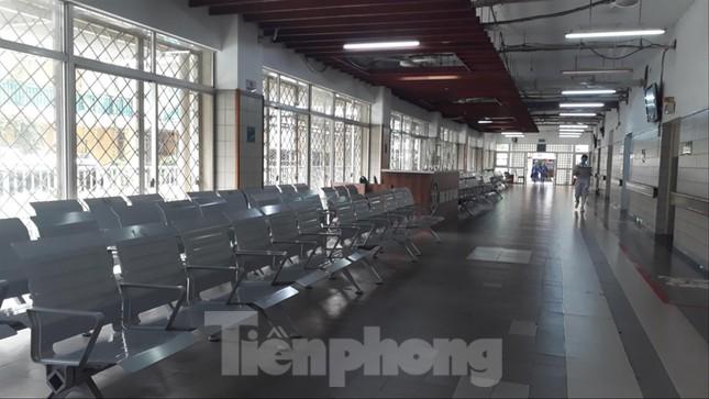 Bệnh viện Bạch Mai thành ổ dịch: Bộ Y tế hỗ trợ khẩn cấp ảnh 2