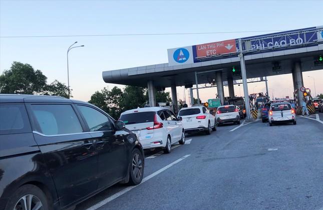 'Ðộc làn' thu phí ETC: Nguyên nhân gây tắc ở cao tốc Hà Nội - Ninh Bình ảnh 1