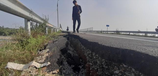 Vụ cao tốc Ðà Nẵng - Quảng Ngãi: Nhiều kỹ sư nước ngoài vi phạm pháp luật ảnh 1