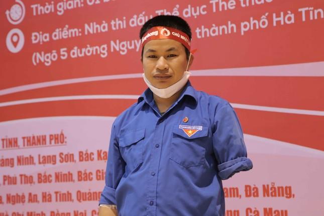 Bí thư Chi đoàn khuyết một cánh tay với 24 lần hiến máu cứu người ảnh 1