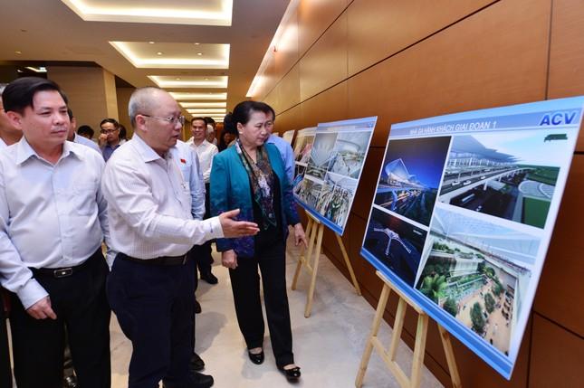 Quốc hội thảo luận dự án sân bay Long Thành: Vay nhiều, rủi ro lớn ảnh 1