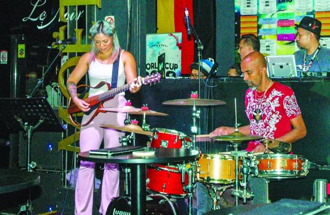 Jazz, rock và những sắc màu du lịch ảnh 1