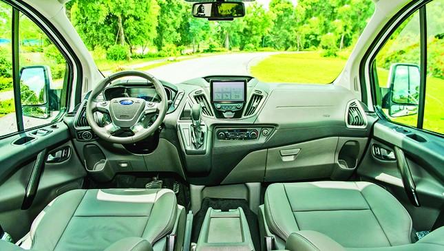 Ford Tourneo chính thức ra mắt: Đáp ứng nhu cầu vận chuyển 7 chỗ cao cấp ảnh 2