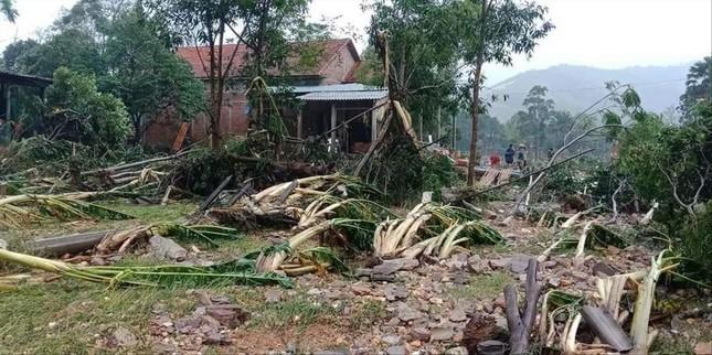Cứu trợ đồng bào bị ảnh hưởng bão lũ ở Miền Trung: Chuyện gì đang xảy ra? ảnh 2
