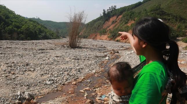 Huyện nghèo Phước Sơn ngổn ngang sau sạt lở ảnh 1