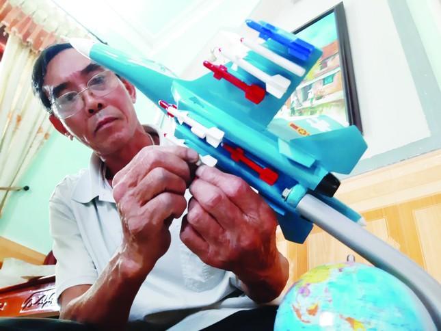 Xưởng sản xuất 'máy bay chiến đấu' độc nhất Việt Nam ảnh 1