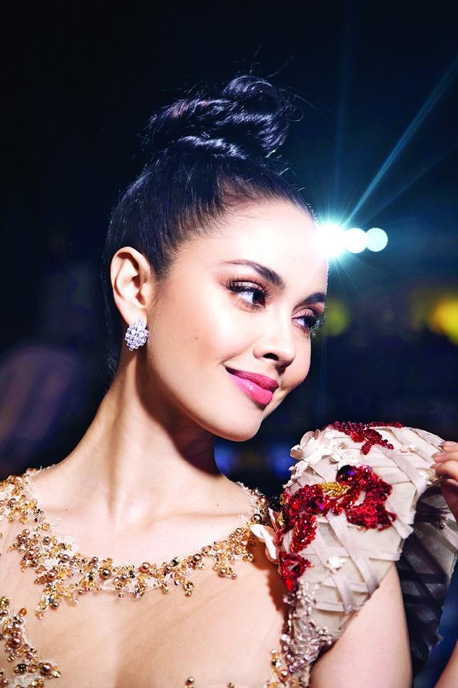 Miss world & số Tết Tiền Phong ảnh 1