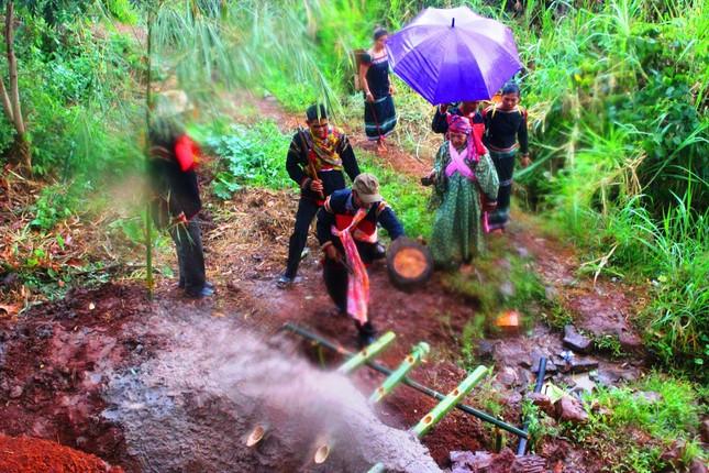 Nét văn hóa trong lễ cầu mưa ảnh 1