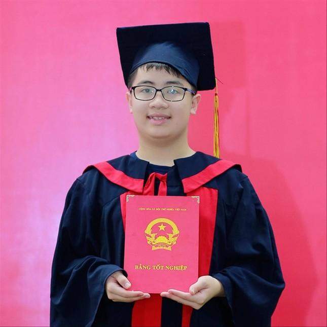 Học sinh lớp 10 đoạt HCV Olympic Toán quốc tế: Thi để thử sức mình ảnh 1