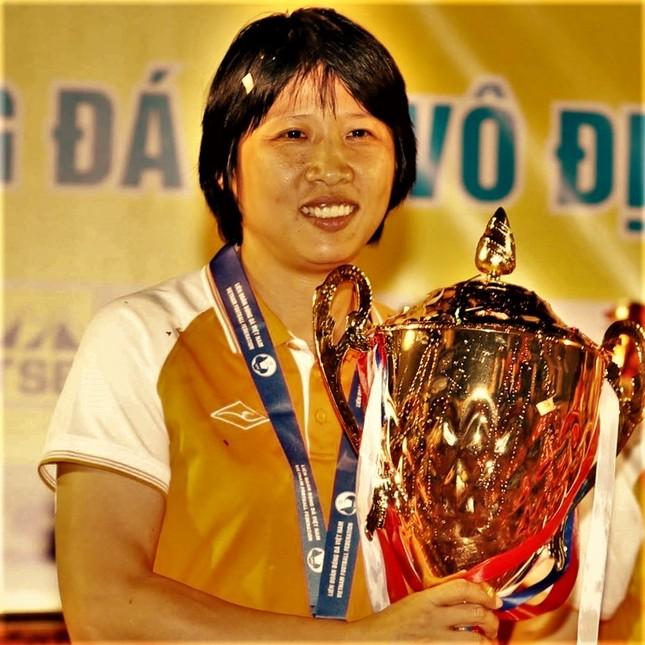 Nữ tướng Đồng Khởi của bóng đá Việt Nam ảnh 1