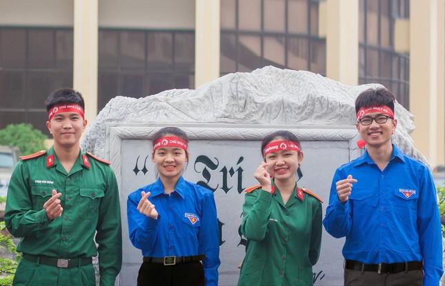 'Song Linh' thắp lửa hoạt động Đoàn ảnh 1
