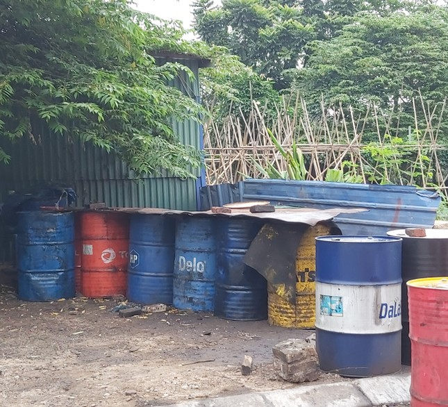 Cận cảnh làng thu gom dầu nhớt thải lớn nhất miền Bắc ảnh 8