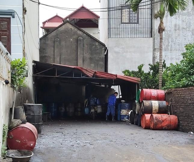 Cận cảnh làng thu gom dầu nhớt thải lớn nhất miền Bắc ảnh 9