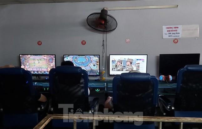 Nhiều quán game vẫn sôi động sau lệnh cấm của Chủ tịch Hà Nội ảnh 10