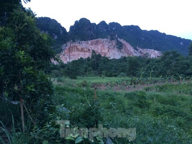Khu dân cư ở Hòa Bình khốn khổ vì công trường khai thác đá nổ mìn ngày đêm ảnh 8