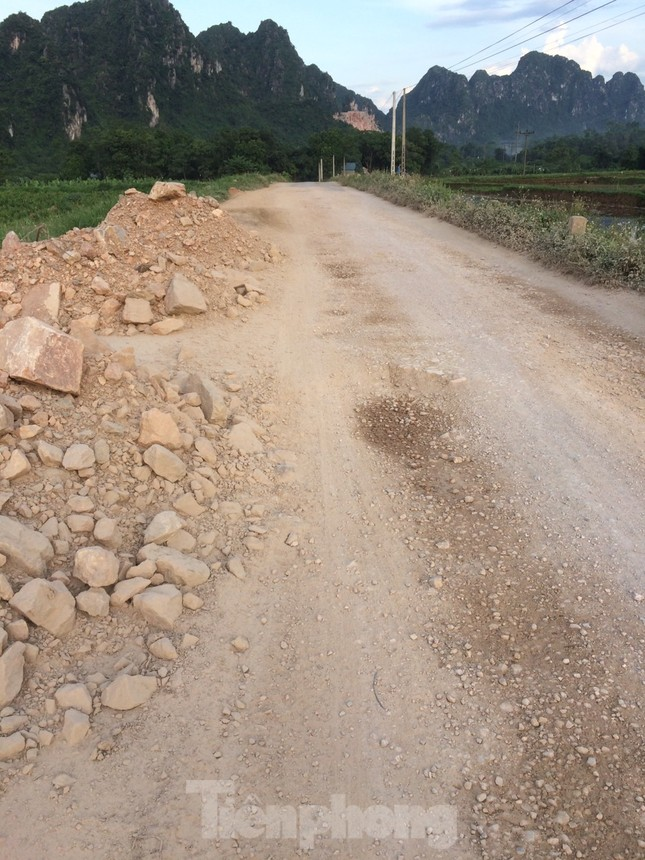 Khu dân cư ở Hòa Bình khốn khổ vì công trường khai thác đá nổ mìn ngày đêm ảnh 13