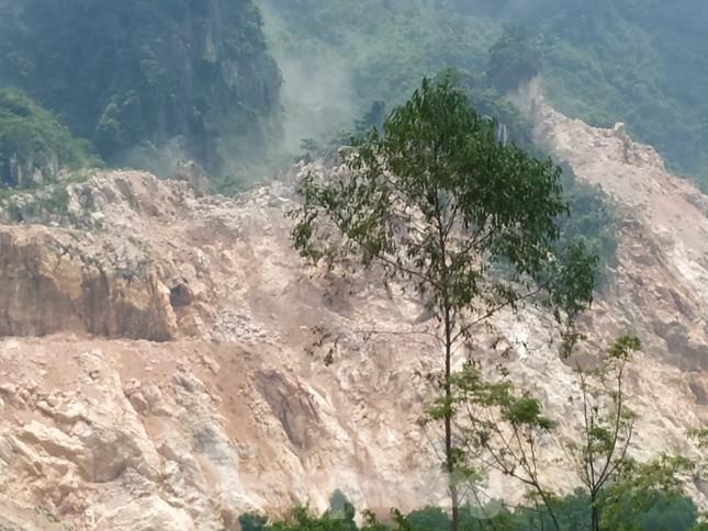 Khu dân cư ở Hòa Bình khốn khổ vì công trường khai thác đá nổ mìn ngày đêm ảnh 2