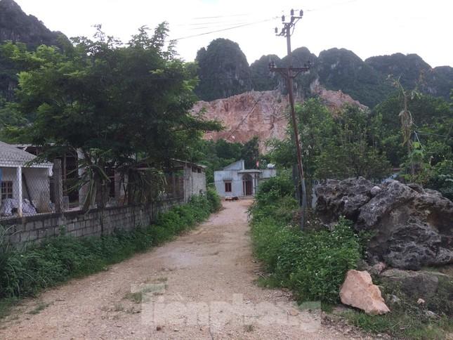 Khu dân cư ở Hòa Bình khốn khổ vì công trường khai thác đá nổ mìn ngày đêm ảnh 10