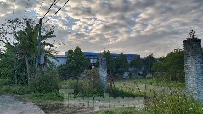 Cận cảnh nhà xưởng ô nhiễm bủa vây trường học, khu dân cư ở Hà Nội ảnh 9