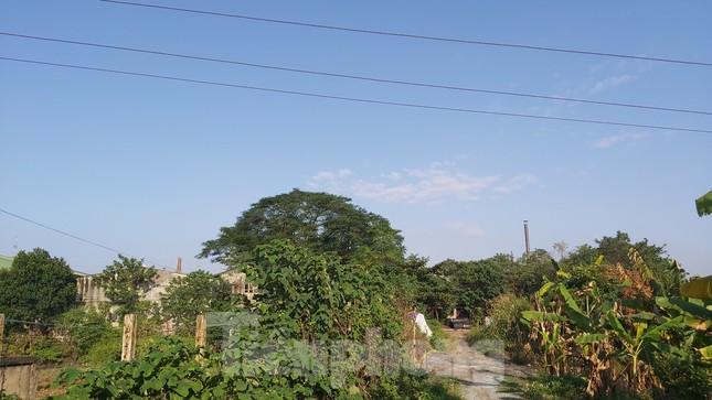 Cận cảnh nhà xưởng ô nhiễm bủa vây trường học, khu dân cư ở Hà Nội ảnh 1