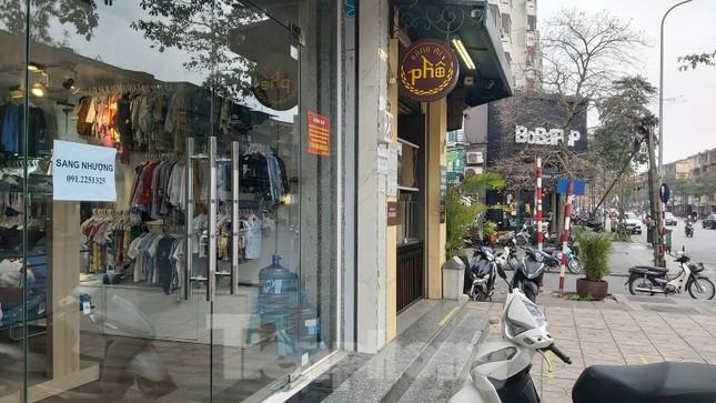 Hàng loạt khách sạn, cửa hàng Hà Nội treo biển cho thuê sau Tết ảnh 4