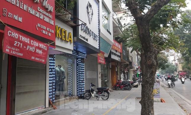 Hàng loạt khách sạn, cửa hàng Hà Nội treo biển cho thuê sau Tết ảnh 8