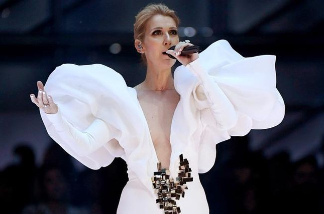 Danh ca Céline Dion nhận bằng tiến sĩ âm nhạc ảnh 1