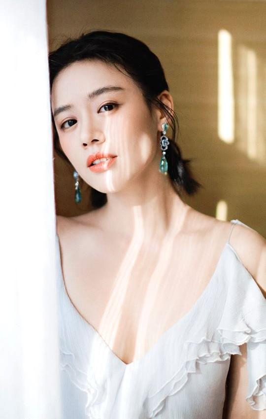 Nhan sắc xuống dốc không phanh của 'Ảnh hậu Kim Mã' nức tiếng một thời gây tiếc nuối ảnh 3