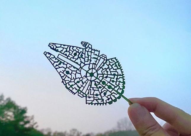 Nghệ sĩ Nhật mắc chứng ADHD với tài năng 'kể chuyện' trên lá cây ảnh 3