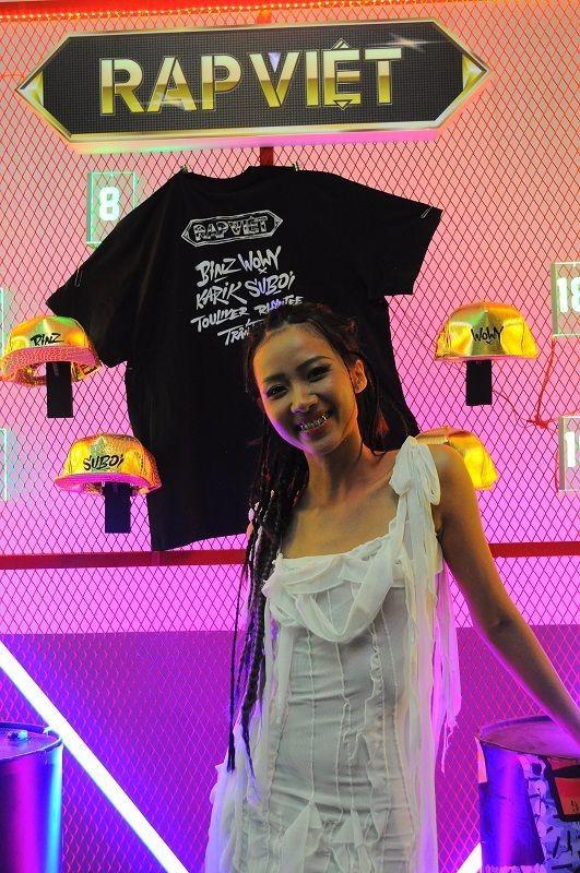 Dàn sao đình đám khoe trang phục 'cực chất' tại Đêm Chung kết Rap Việt ảnh 7