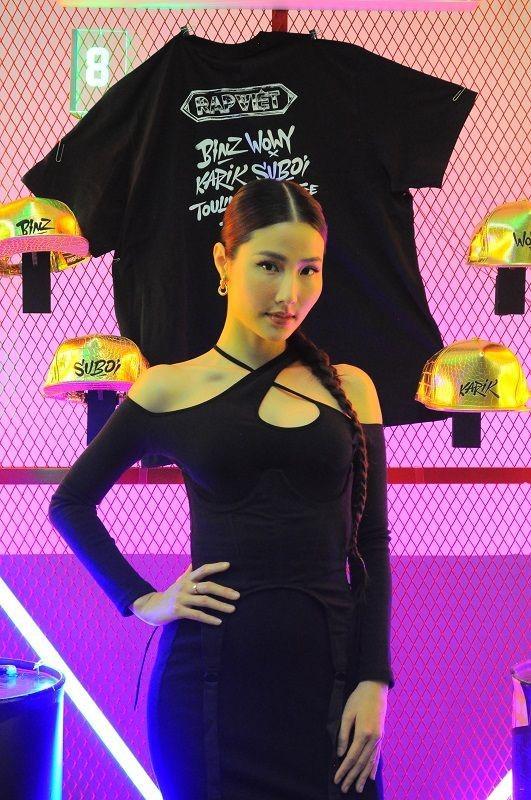 Dàn sao đình đám khoe trang phục 'cực chất' tại Đêm Chung kết Rap Việt ảnh 4