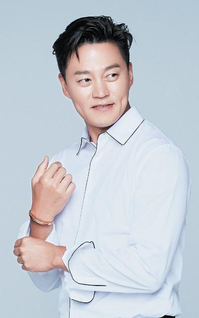 Đài KBS công bố 10 ngôi sao KPop gia thế khủng, sinh ra đã 'ngậm thìa vàng' ảnh 9