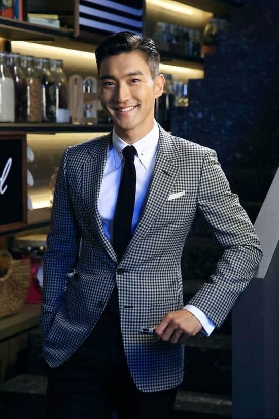 Đài KBS công bố 10 ngôi sao KPop gia thế khủng, sinh ra đã 'ngậm thìa vàng' ảnh 3