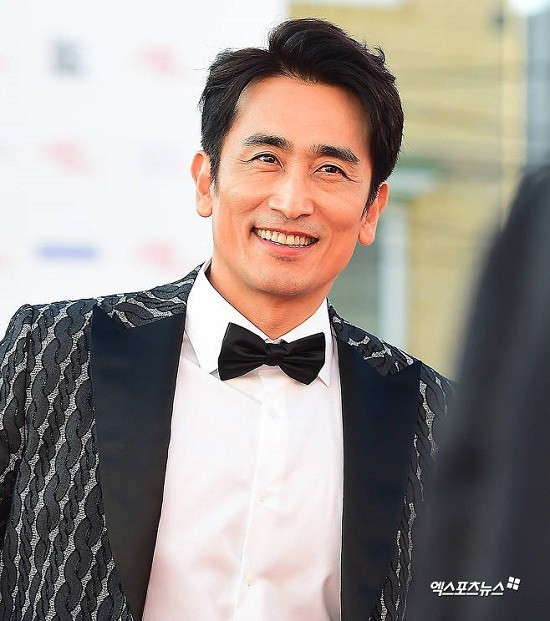 Đài KBS công bố 10 ngôi sao KPop gia thế khủng, sinh ra đã 'ngậm thìa vàng' ảnh 5