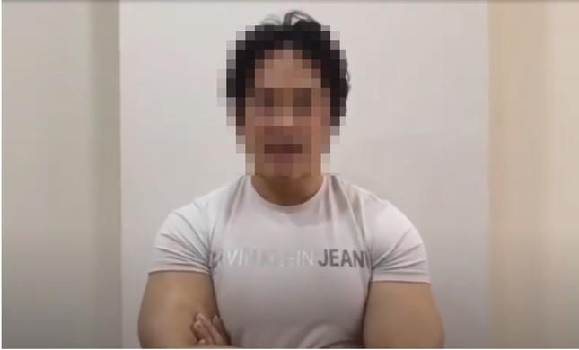 Gymer D.N đăng video khoanh tay xin lỗi sau phát ngôn xúc phạm vợ cố nghệ sĩ Chí Tài ảnh 1