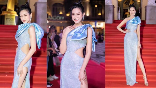 Hoa hậu Đỗ Thị Hà diện đầm khoét eo quyến rũ nhất tuần ảnh 1