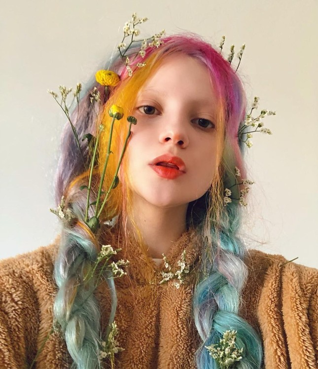 Sắc vóc xinh đẹp như búp bê của hotgirl Ukraine ảnh 2